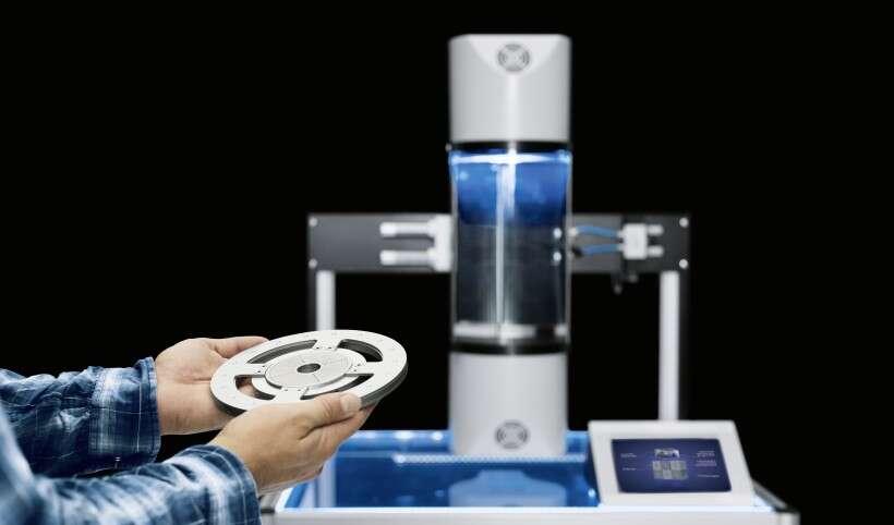 Festo SupraTube: contactless cleaning in an environment containing liquids